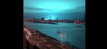 Une invasion extraterrestre ? Une lumière bleue sur le ciel de New-York a suscité des réactions sur les réseaux sociaux