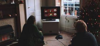 Un couple joue au Mario Kart 64 pour décider de celui qui va faire le thé