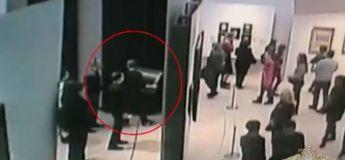 Moscou : un homme vole en plein jour un tableau dans un musée de la ville
