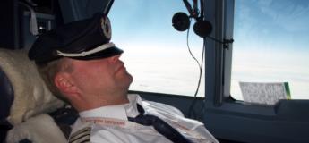 Un pilote filmé en train de dormir à bord d'un Boeing 747
