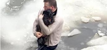 Un Américain a sauvé un chien dans un lac gelé