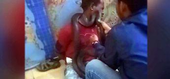 En Indonésie, des policiers utilisent un serpent vivant pour obtenir des aveux