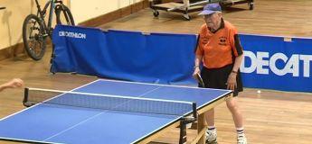 Rencontrez Jean-Paul, doyen pongiste français, qui fête ses 100 ans et qui joue encore le tennis de table