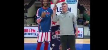 Ce jeune homme réalise des prouesses incroyables avec un ballon de basketball