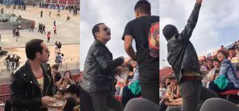 Cet homme, rassemblant à Freddie Mercury, décide de bien jouer le rôle durant un concert