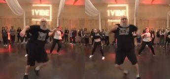 Les réseaux sociaux deviennent fous avec cette vidéo d'un homme âgé de 40 ans dansant magnifiquement sur une chanson de «Post Malone»