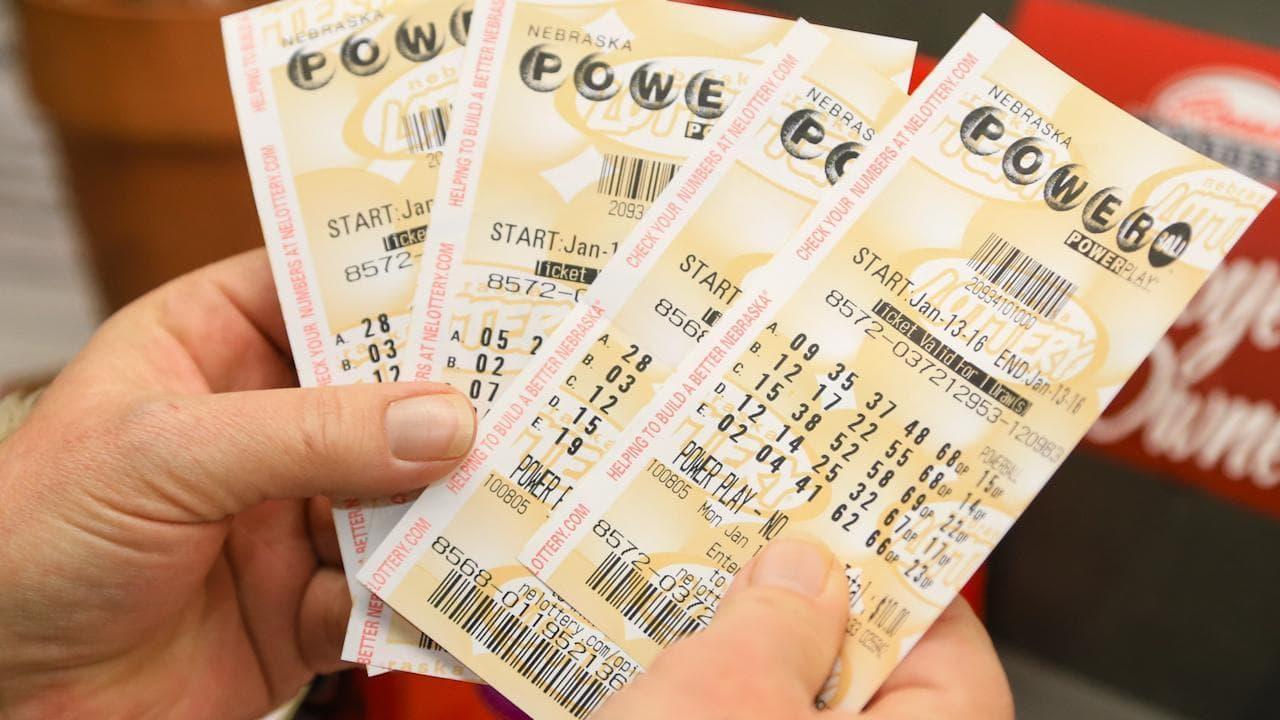 Un homme gagne un million de dollars à la loterie avec des chiffres qu'il a vus en rêve