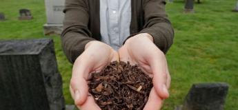 Remplacer l'inhumation et la crémation par le compostage humain