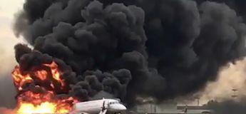 Les images terribles d'un atterrissage d'urgence d'un avion en feu à Moscou