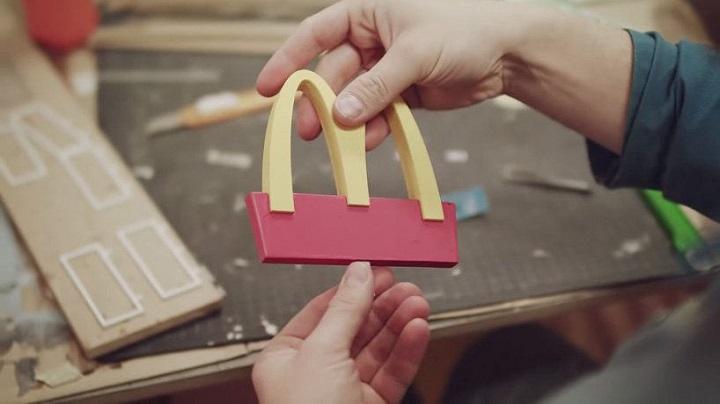 McDonald's ouvre le plus petit restaurant du monde pour les abeilles