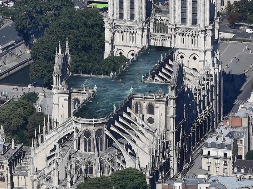 9 propositions ridicules pour la restauration de Notre Dame de Paris