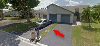 Cet homme pensait avoir acheté une villa à 8 000 euros… il se retrouve avec une bande d'herbe