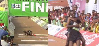 Le magnifique geste de ce coureur kényan va sérieusement faire fondre votre cœur