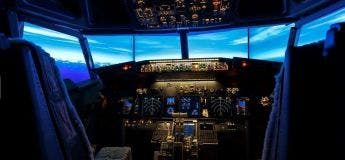 À Tokyo, un hôtel propose une chambre avec un simulateur de vol