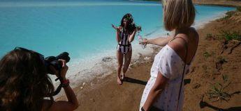 Prendre des photos autour d'un lac pollué devient une mode quelque part en Sibérie