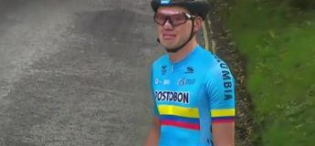 La scène déchirante de German Dario Gomez Becerra au mondial de cyclisme junior, abandonné après une crevaison