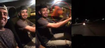 En essayant d'attraper le voleur de son téléphone portable, il fait un horrible accident de voiture