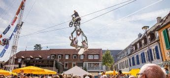 L'amour est dans l'air : photos du mariage de l'artiste de fil de fer sur la corde raide