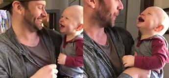 Préparez-vous, cette vidéo d'un bébé faisant du beatbox avec son papa va vous faire fondre