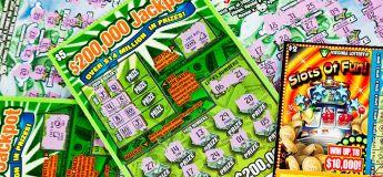 Un homme gagne 200 000 dollars à la loterie en se rendant à sa dernière séance de chimiothérapie