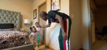Vous allez adorer la réaction de ses petites filles au tour de magie de leur papa !