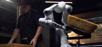Suisse : un institut de recherche a réussi à fabriquer un robot faisant des raclettes (la base quoi !)