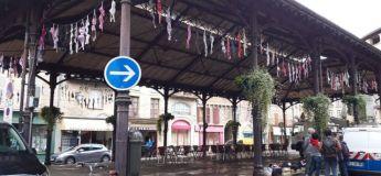 La ville de Figeac se pare de soutien-gorge