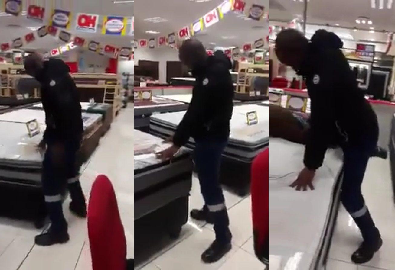 Regardez comment cet homme choisit le lit le plus convenable à acheter, c'est hilarant