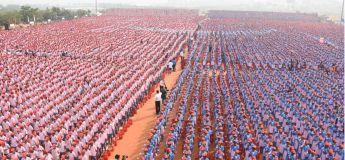 Inde : 25 000 étudiants se rassemblent pour se  brossent les dents simultanément