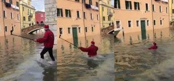Venise fin 2019 : Faites attention où vous mettez vos pieds quand il y a de l'eau qui couvre l'espace entièrement