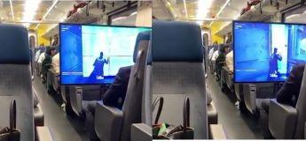 Cet adolescent sort son énorme écran et joue à Fortnite dans un train