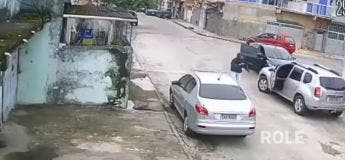 Brésil : un homme tente de voler une voiture qu'il ne savait même pas conduire et se fait prendre