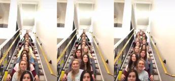 Un groupe de filles complètement synchronisées les unes aux autres dans une vidéo Tik Tok qui est devenue virale
