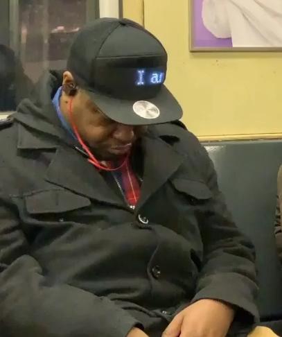 Cet usager du métro a un message très clair pour ses voisins et «il ne souhaite pas être viré…» !