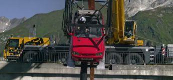 Top Gear : il tente un saut à l'élastique en voiture au-dessus d'un barrage