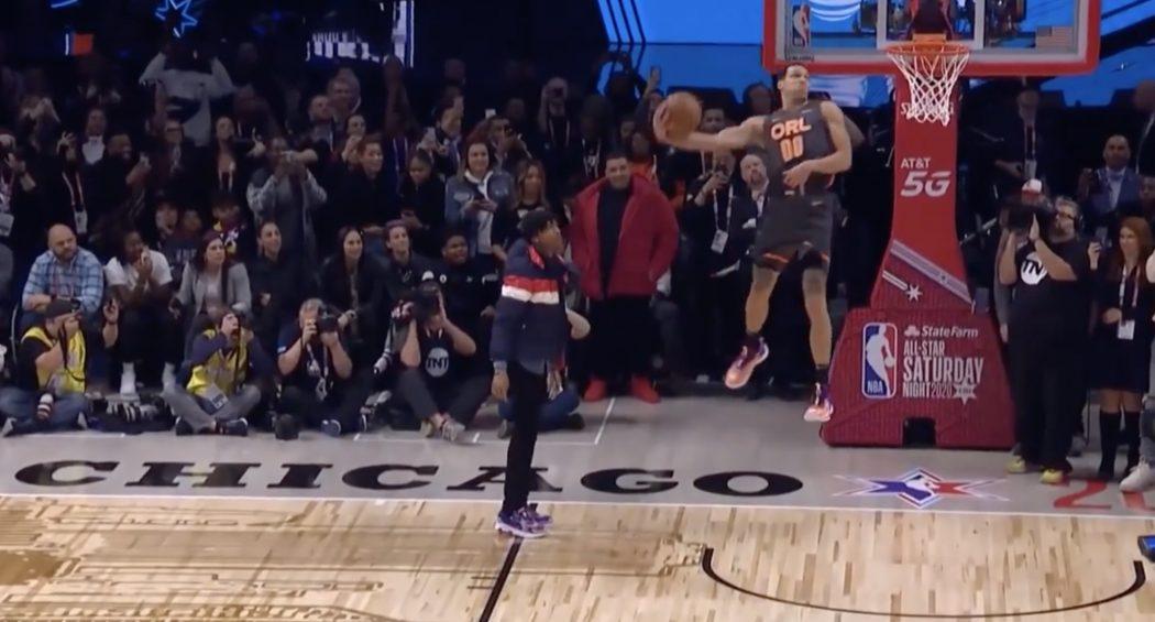 Aaron Gordon saute sur Tacko Fall — Concours Dunk NBA