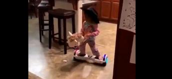 Ces petites filles font de l'hoverboard comme des professionnelles !