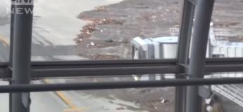 Des images chocs du séisme et tsunami le plus meurtrier au Japon en 2011 (vidéo)