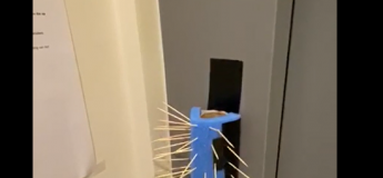 La protection ultime pour éviter d'être contaminer par le Coronavirus dans un ascenseur