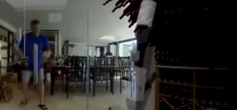 Pire scène de sa vie pour cet homme : les bouteilles de sa cave à vin s'écroulent sous ses yeux