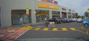 La vidéo d'un homme sortant d'un supermarché  a fait réagir la toile, elle rappelle Harry Potter