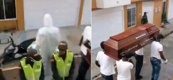 La police colombienne trouve un moyen efficace pour inciter la population à rester chez eux, ils ont dansé avec un cercueil !