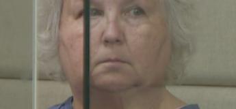Une femme qui a écrit un essai sur la façon de s'en sortir avec un meurtre est accusée d'avoir tué son mari !