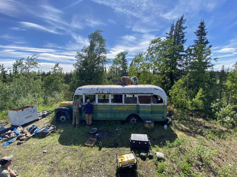 Jugé dangereux pour les aventuriers « Le Magic Bus » de Into The Wild retiré de Stampede Road en Alaska