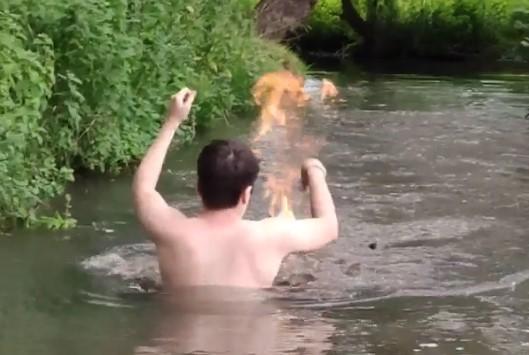 Challenge Greenpeace : faire démarrer un feu dans une rivière