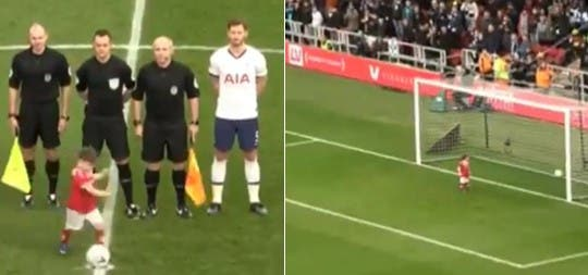 Avant le coup d'envoi d'un match de foot, ce petit garçon s'est emparé du ballon et a marqué un but devant une foule en délire