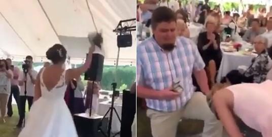 Il surprend sa copine en faisant sa demande en mariage lors d'un mariage