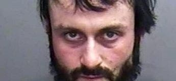 Un homme arrêté pour avoir éjaculé pendant 4 ans dans le café de sa patronne pour se venger