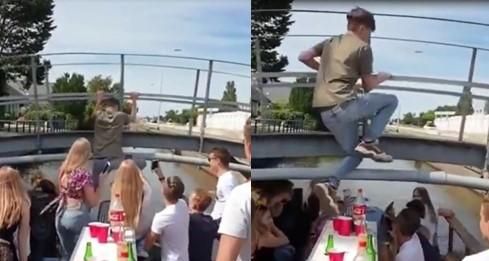Ce jeune homme a essayé de passer par-dessus un pont quand son bateau traversait en-dessous