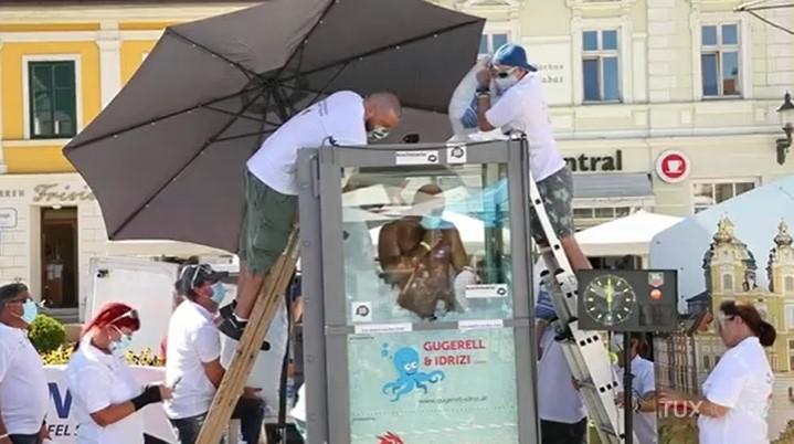 En passant 2 h 30 dans la glace, cet Autrichien détient le record du monde